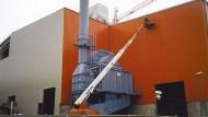 Neubau Schmelzhalle, Putzereihalle und Dachsanierung in Ortrand - Dach ACR 35/100 und Wand ACW 35/100 - HGB Hallen- und Gewerbebau Dresden GmbH