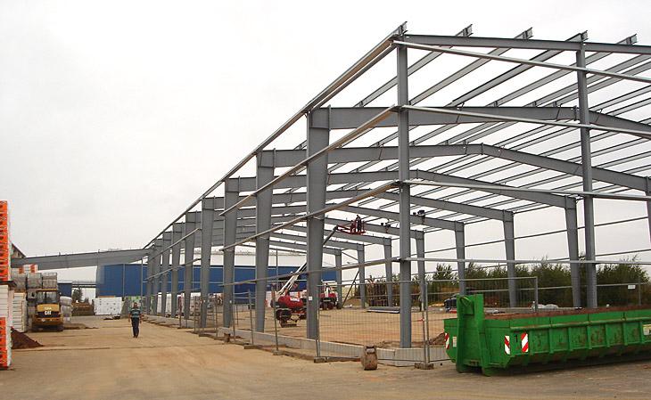 Neubau Lagerhalle mit Überdachung in Ronneburg - HGB Hallen- und Gewerbebau Dresden GmbH