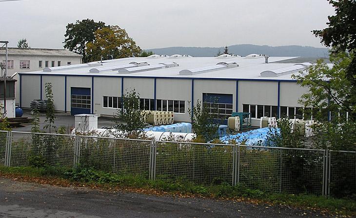 Neubau einer Produktionshalle in Heidenau - Dach ACR 37/30 und Wand Sandwich - HGB Hallen- und Gewerbebau Dresden GmbH